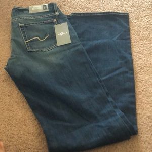 Brand new pair of Seven jeans! Perfect for you